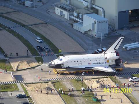 Pictures of ATLANTIS last roll-out from OPF-1 4-13-10 025 (21)